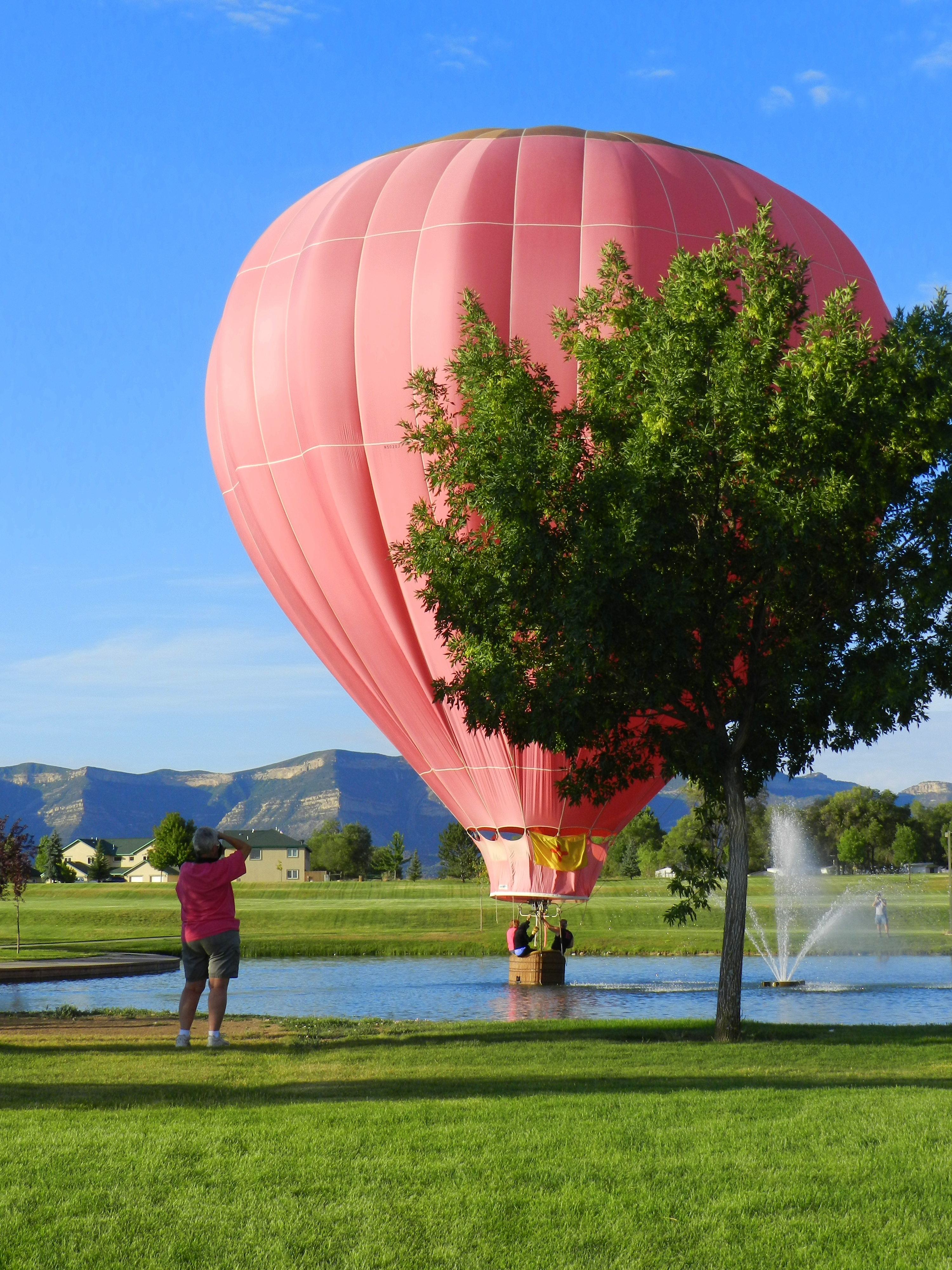 Hot Air Balloon in Parque de Vida